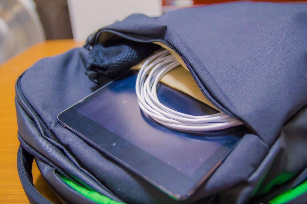 incase-backpack-11