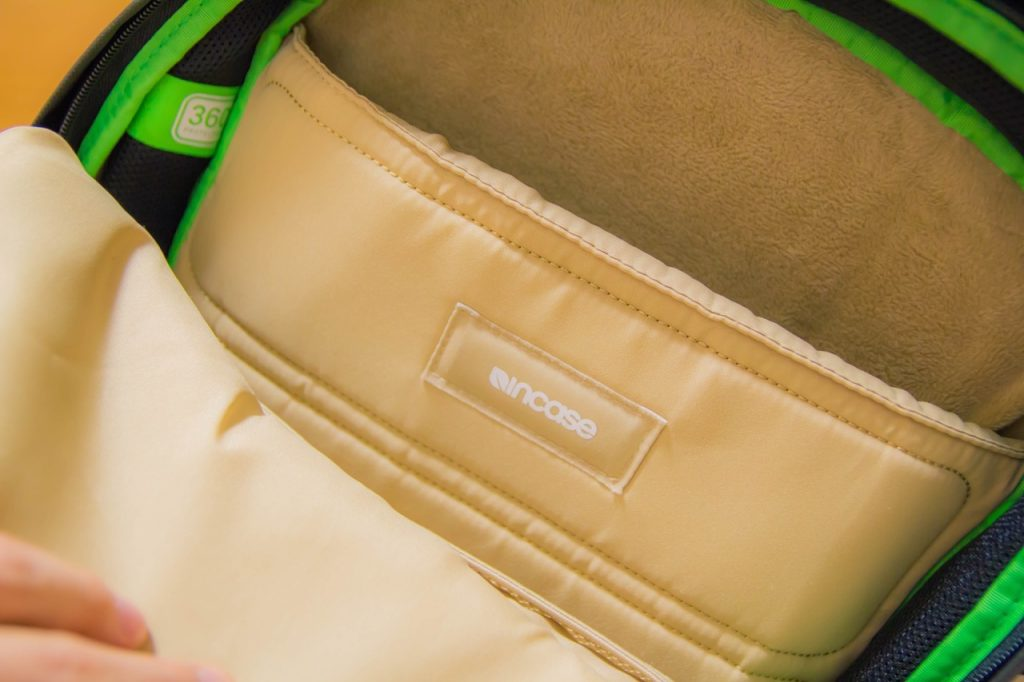 incase-backpack-18