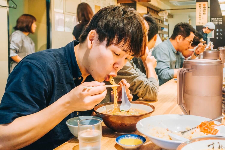 【北海道 ラーメン】濃厚な「すみれ」の味噌ラーメンを堪能してきた!