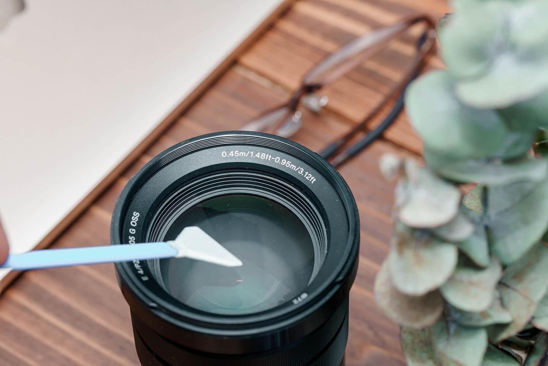 レンズ表面もスワブで清掃可能