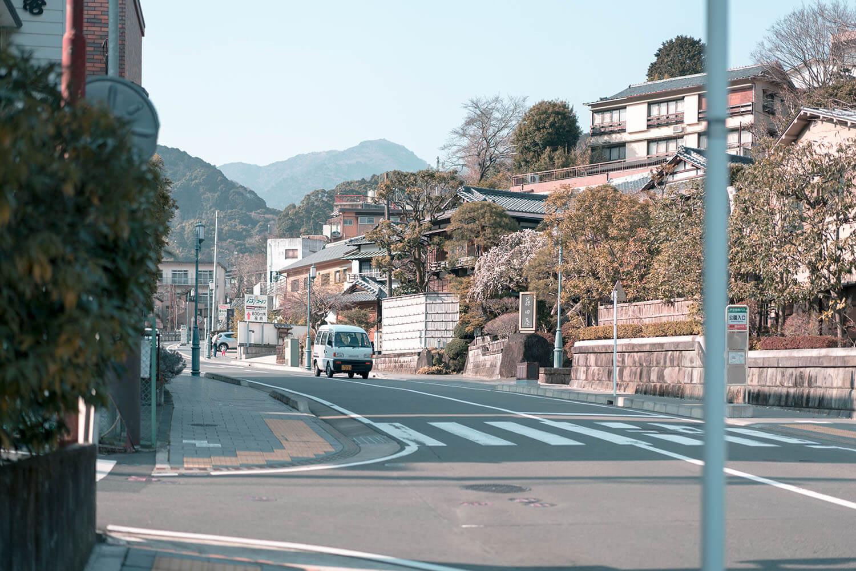 伊藤屋までは湯河原駅からバスで10分くらい