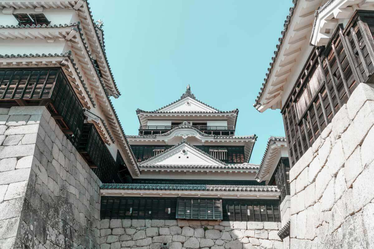 城周りが複雑な松山城