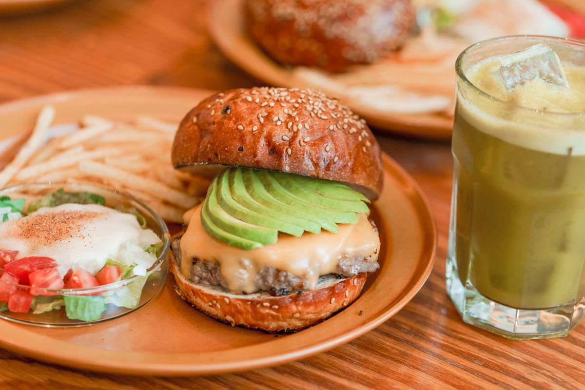 THE BURGER SHOPのハンバーガー