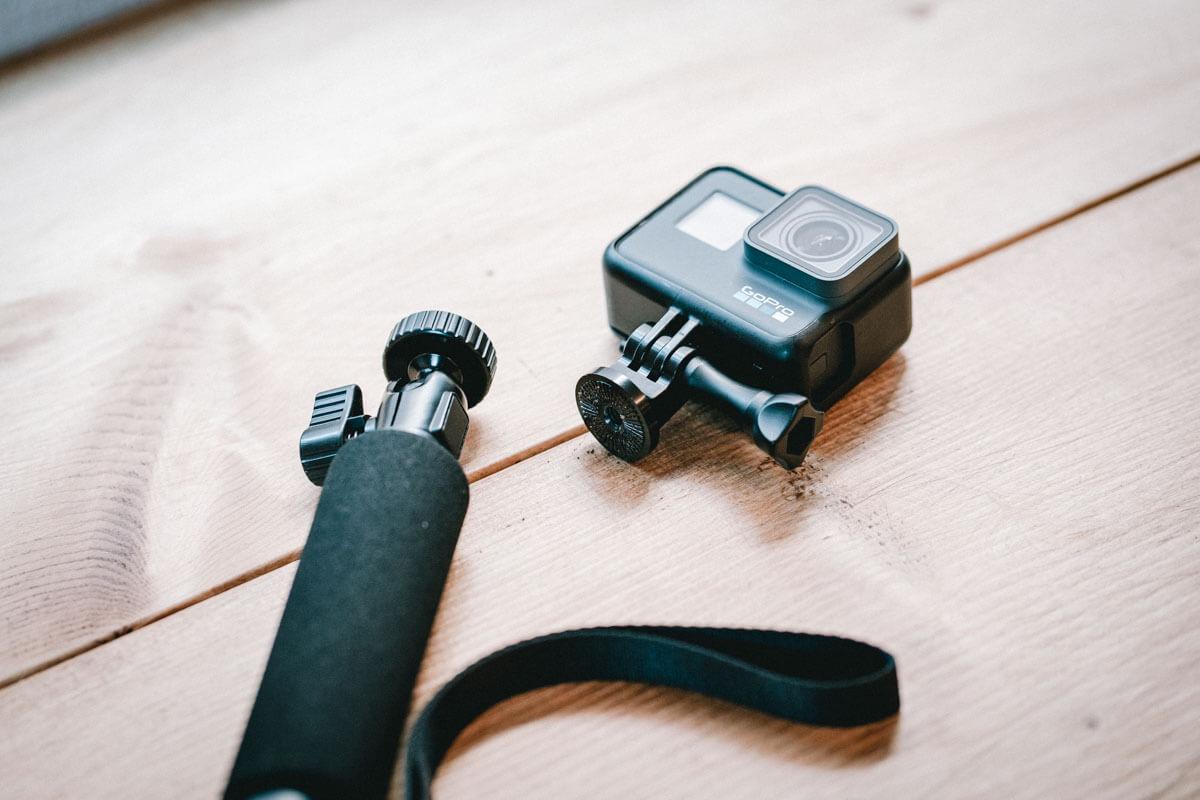 GoProで自撮り棒を利用するにはアダプターが必要