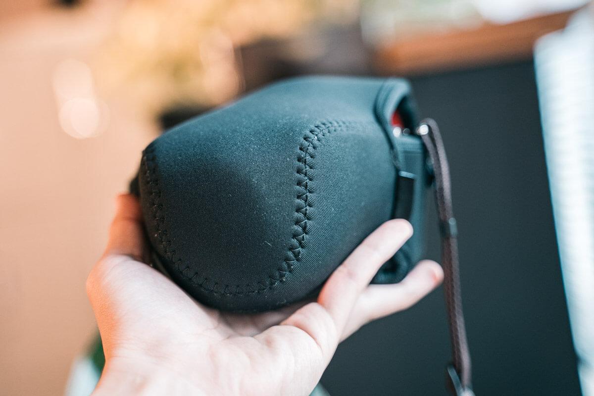 HAKUBAのカメラジャケット