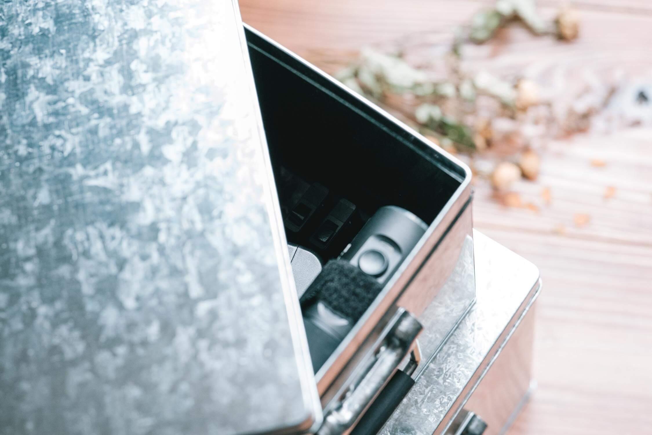 レンズの保管におすすめの、無印良品のトタンボックス