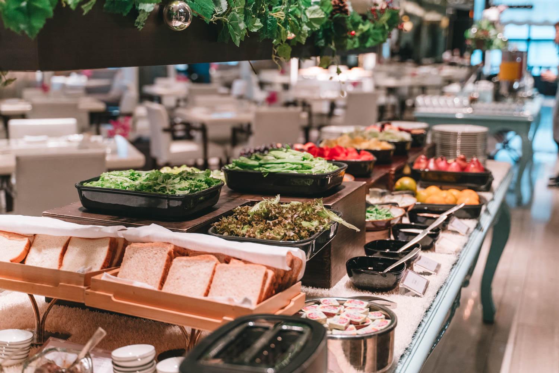 マンダリンオリエンタル台北の朝食サラダコーナー