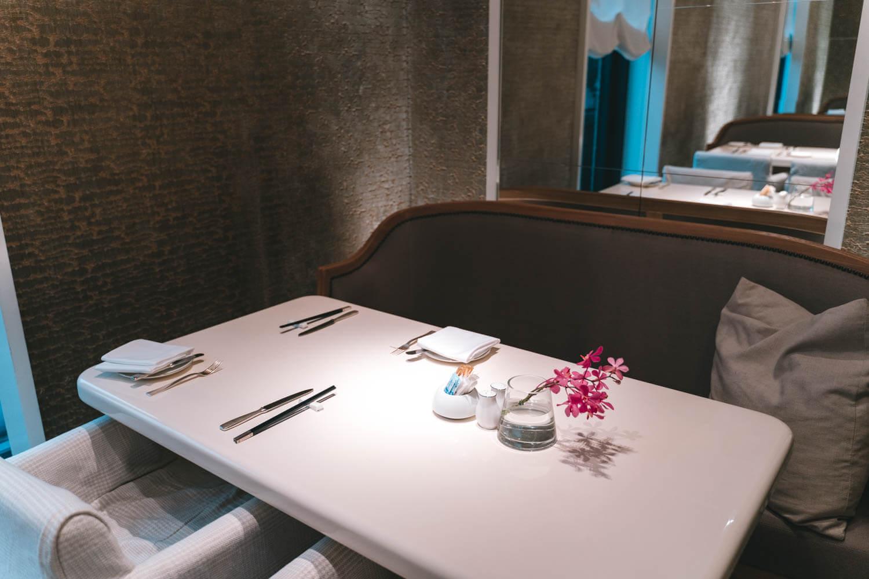 マンダリンオリエンタル台北の広い半個室スペース